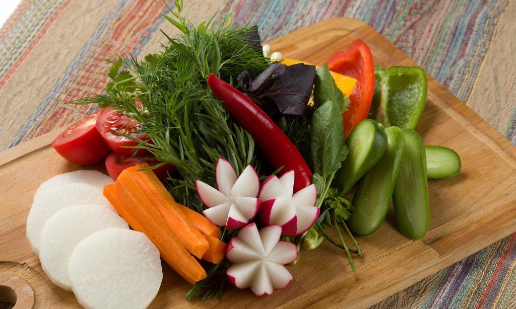ассорти из овощ и зелени